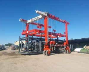 straddle-lift-crane-1736x1400