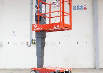 Pedestal-5m-Battery-Personnel-Lift---Skyjack-SJ16
